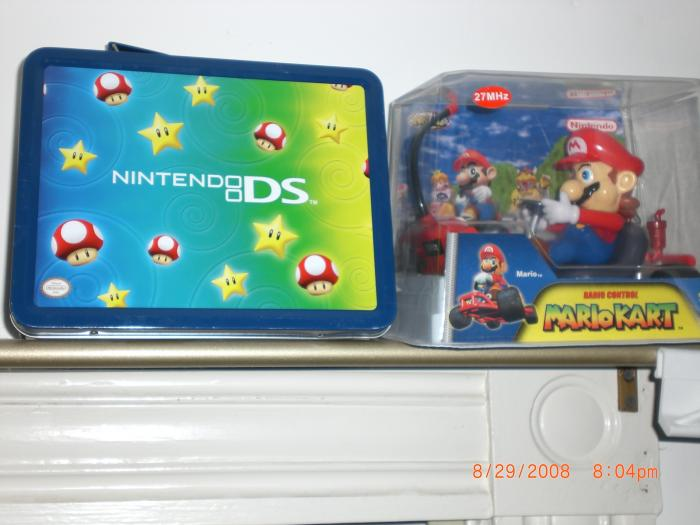 Nintendo DS Star Lunch Box Starter Kit & Mario Kart Remote Control Car
